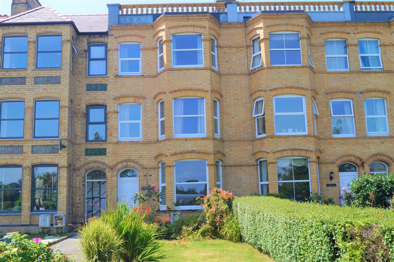 Cardiff Road, Pwllheli - £199,950